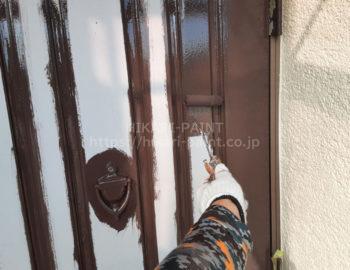 玄関ドア 中塗り